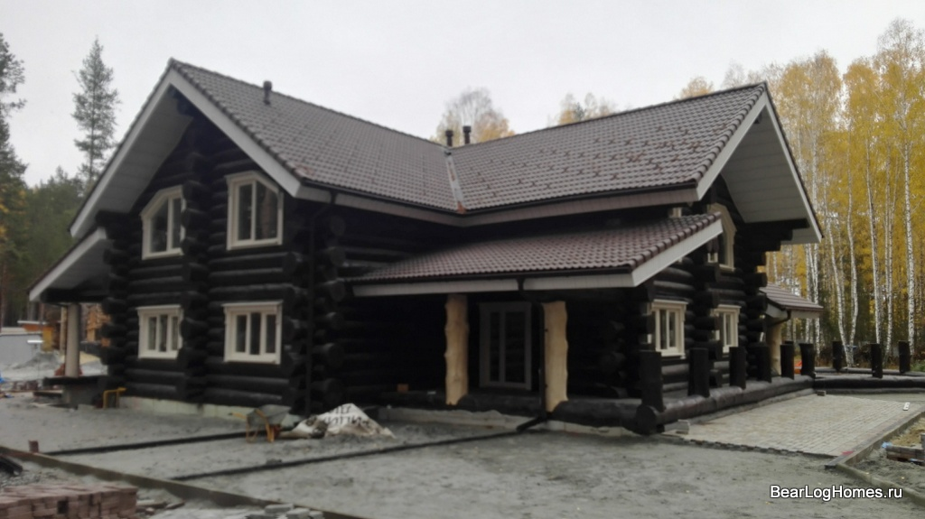 Dealers of the company Medvezhy log good houses from cedar