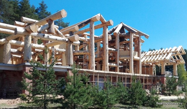 Cedar house cutting using Post and Beam technology